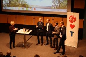 Representanter från fastighetsägare diskuterar Solna Strands utveckling